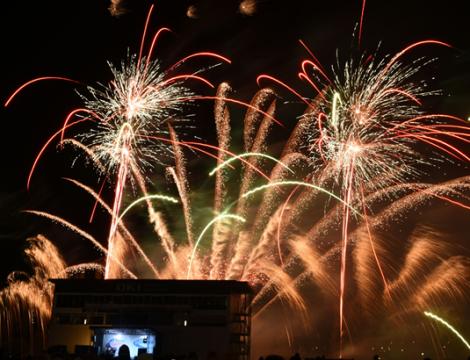 OKI & Fireworks 8